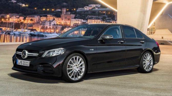Mercedes-Benz продолжает отзывать свои автомобили