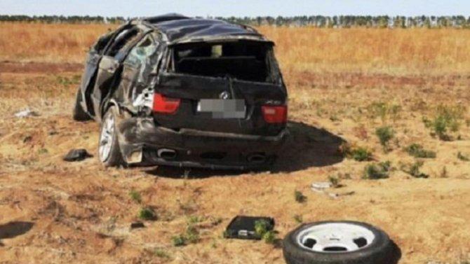 Пассажирка погибла при опрокидывании машины в Волгоградской области
