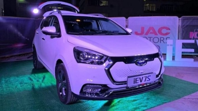 Стартовали российские продажи электромобиля JAC iEV7S