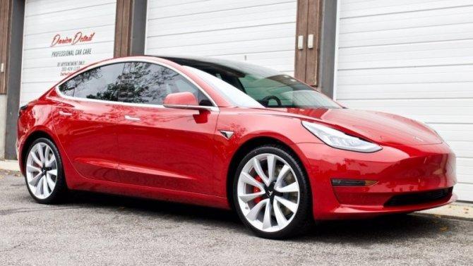 Tesla обновит свой самый популярный электромобиль