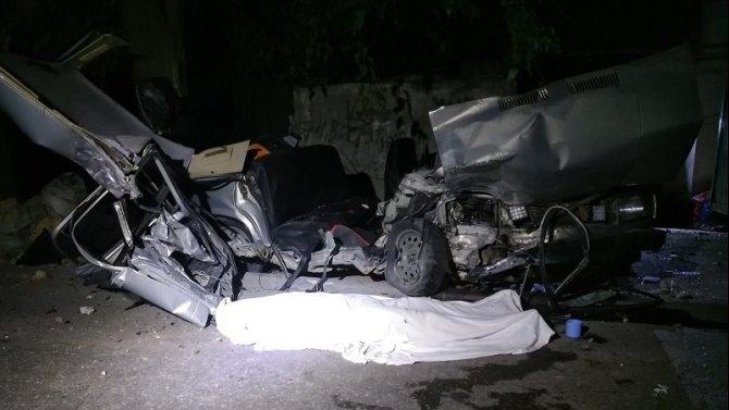19-летний юноша погиб в ночном ДТП в Симферополе