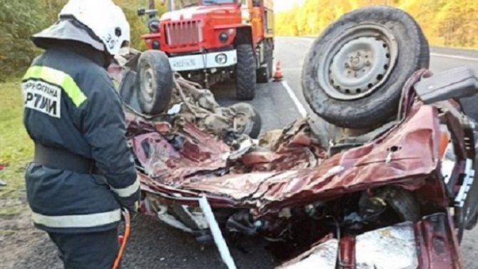 Водитель ВАЗа погиб в ДТП в Олонецком районе Карелии