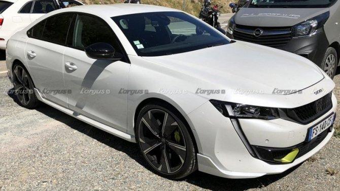 Винтернете появились фото нового гибридомобиля Peugeot