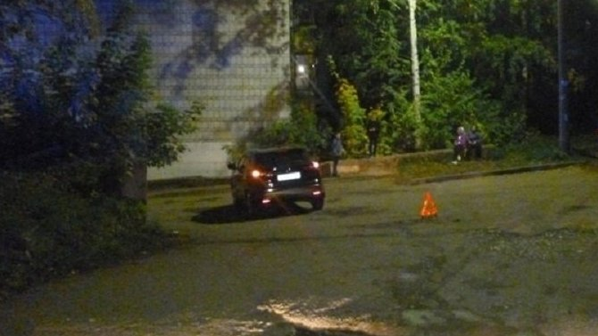В Кирове иномарка насмерть задавила мужчину во дворе