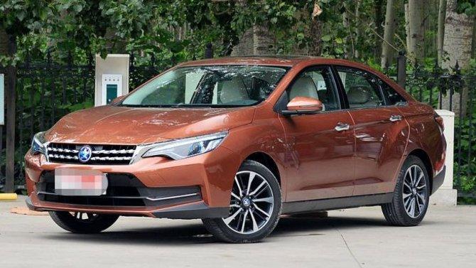 Рассекречен китайский седан Venucia D60 Plus