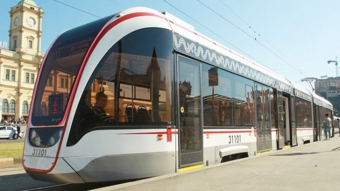 ВМоскве прибавится 114 трамваев сзарядками для телефонов испутниковой навигацией
