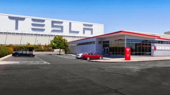 Tesla разрабатывает бюджетный беспилотник