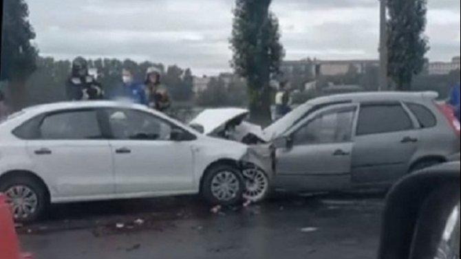 В ДТП на Октябрьской набережной погиб человек