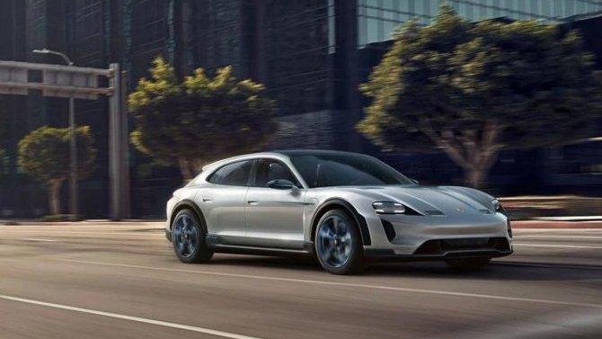 Отложена премьера спорт-универсала Porsche Taycan Cross Turismo