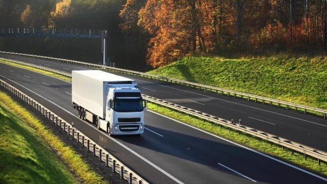 «Яндекс.Навигатор» будет помогать грузовикам