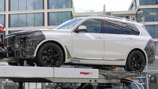Шпионские фото показали, каких изменений ждать в обновленной BMW X7