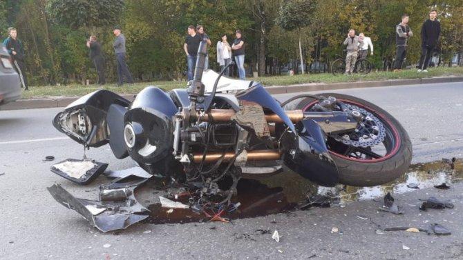 25-летний мотоциклист погиб в ДТП в Брянске