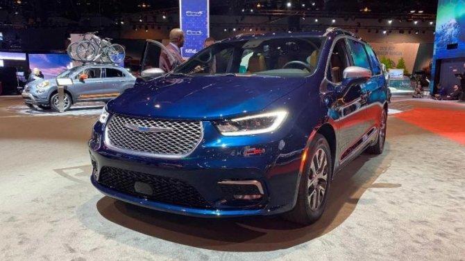Известна стоимость обновлённого минивэна Chrysler Pacifica