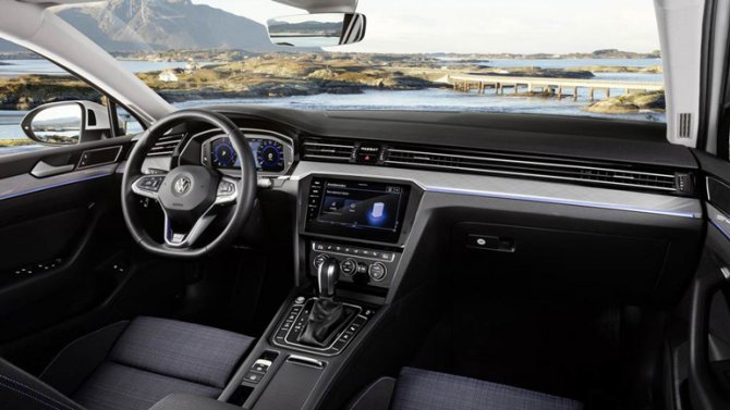 3 Volkswagen Passat GTE салон