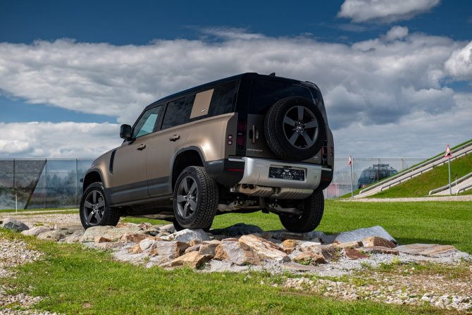 19 10 2020 Премьерный тест-драйв нового Land Rover Defender от «АВИЛОН»_2.jpg