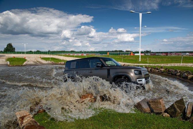 19 10 2020 Премьерный тест-драйв нового Land Rover Defender от «АВИЛОН»_4.jpg