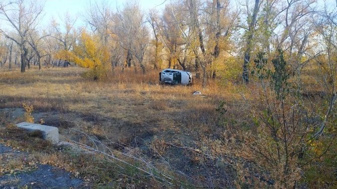 В Орске при опрокидывании машины погибла 9-детняя девочка