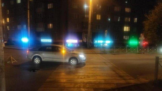 В Калининграде на переходе сбили женщину