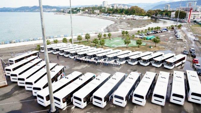 Автобусы вСочи будут «кланяться» пассажирам
