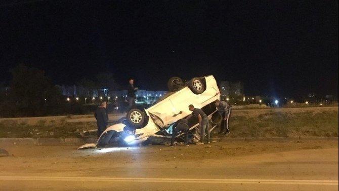 В Севастополе иномарка врезалась в столб и опрокинулась – водитель погиб