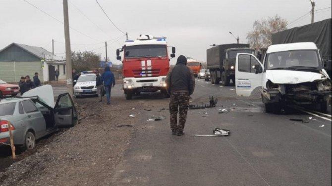 В ДТП под Липецком пострадали четыре человека