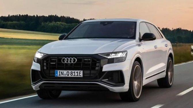 Audi Q8 получил две гибридные версии