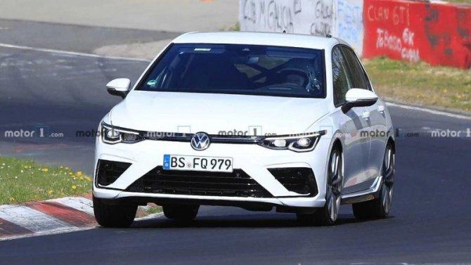 На «Нюрбургринге» замечен новый Volkswagen Golf R