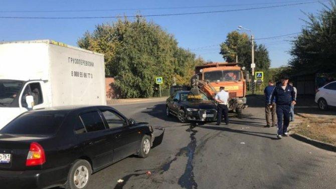 Две женщины и ребенок пострадали в ДТП под Ростовом