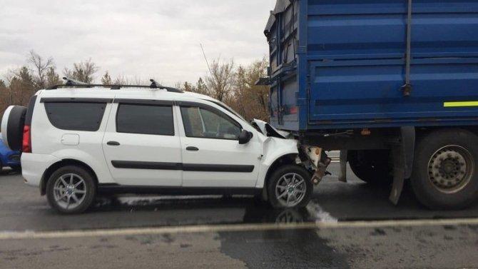 Водитель пострадал в ДТП на трассе Оренбург – Орск
