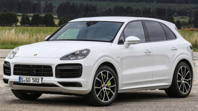Porsche Cayenne E-Hybrid получил новый аккумулятор