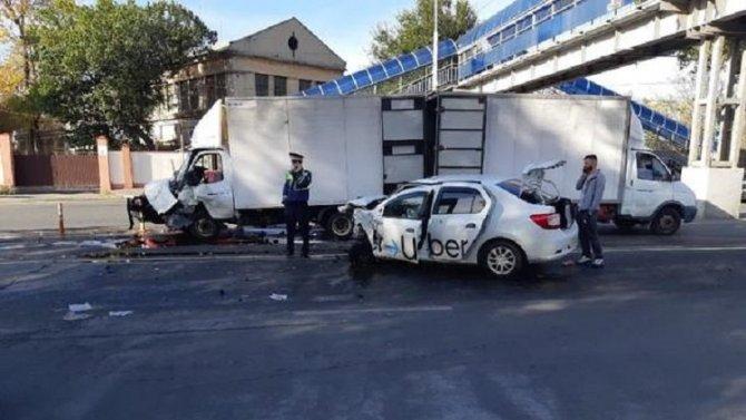 Три человека пострадали в ДТП в Ростове
