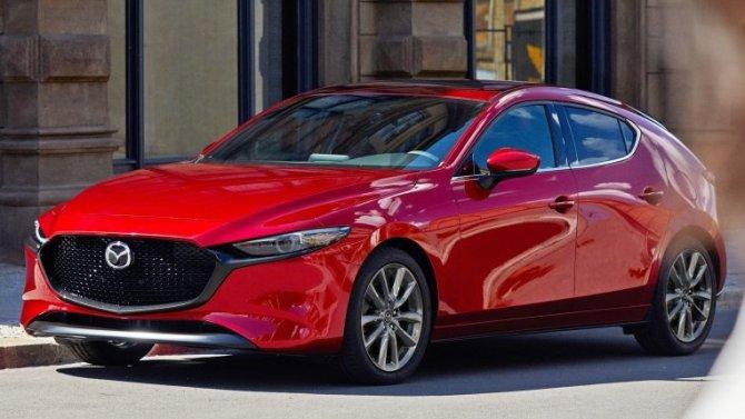 Mazda3 непоставлялась вРоссию целый год, ноникто незаметил