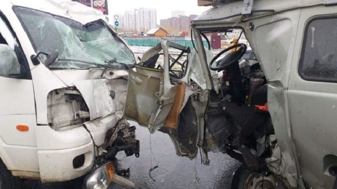 Водитель иномарки погиб в ДТП в Новосибирске