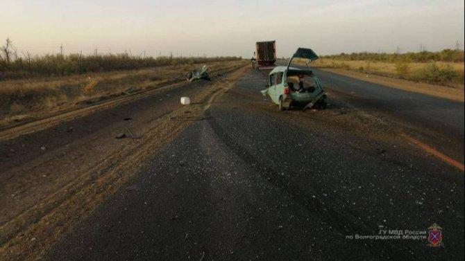 Водитель «Оки» погиб в ДТП в Светлоярском районе Волгоградской области