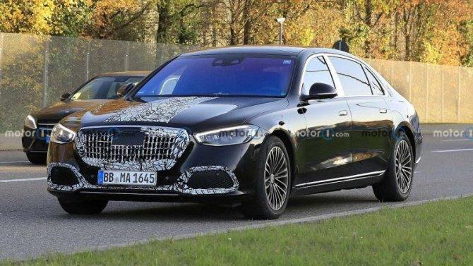 Новый Mercedes-Maybach избавили откамуфляжа