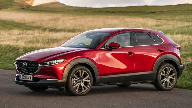 Известна начальная цена Mazda CX-30 вРоссии