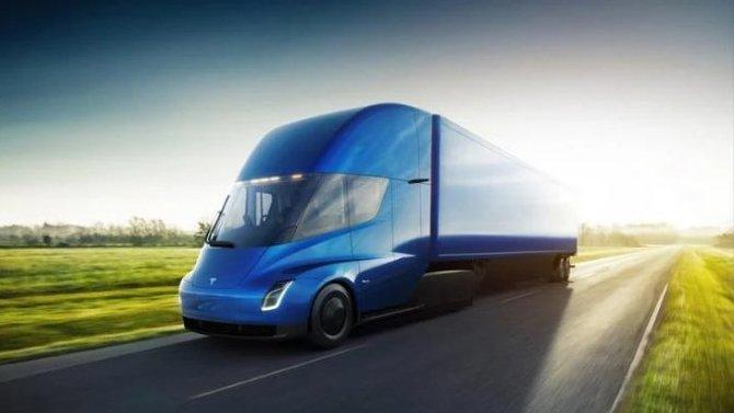 Электрогрузовик Tesla Semi получит большой запас хода