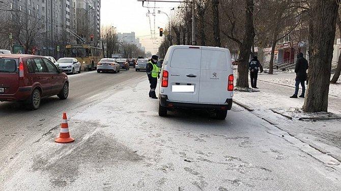 В Екатеринбурге иномарка сбила ребенка