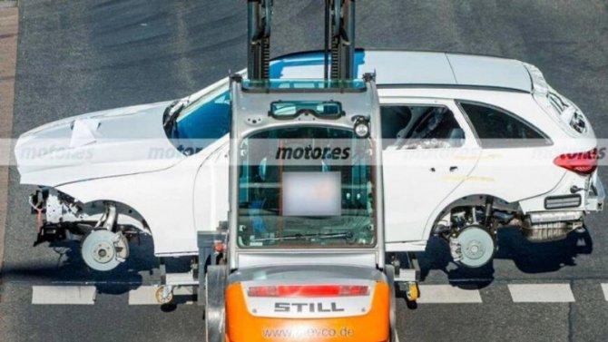 Новый универсал Mercedes-Benz C-Кlassе избавили от камуфляжа