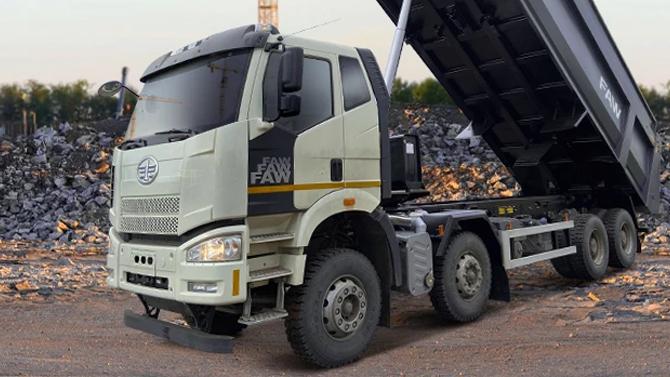 Китайская FAW возобновила поставки своих грузовиков вРоссию