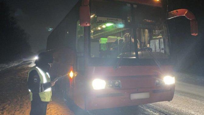 Под Екатеринбургом автобус насмерть сбил пешехода