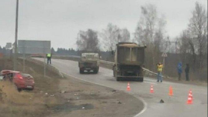 Два человека погибли в ДТП с грузовиком под Наро-Фоминском