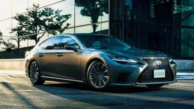 Впродажу поступил обновлённый LexusLS