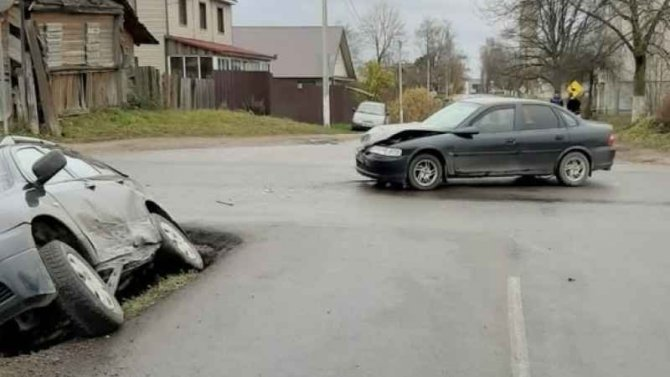 В Валдае в ДТП пострадали женщина и ребенок