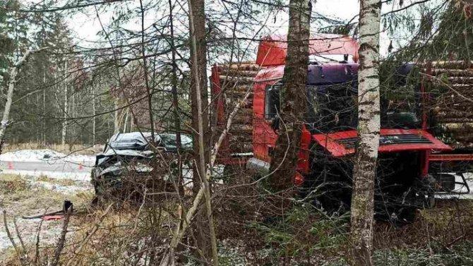 Водитель иномарки погиб в ДТП в Ивановской области
