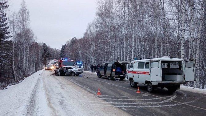 Один погиб, семеро пострадали в ДТП в Ермаковском районе Красноярского края