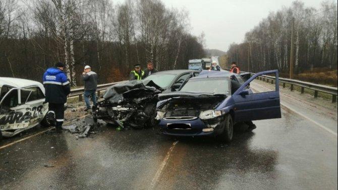 Четыре человека пострадали в ДТП под Курском