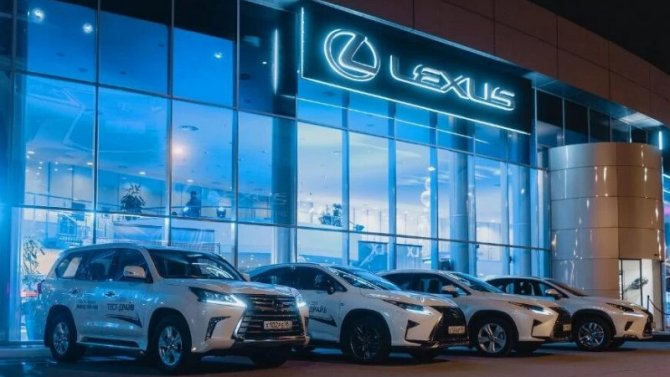 Изменились рублёвые цены автомобилей Lexus