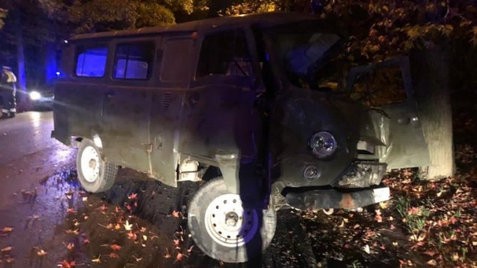 В Сочи УАЗ врезался в дерево – водитель погиб