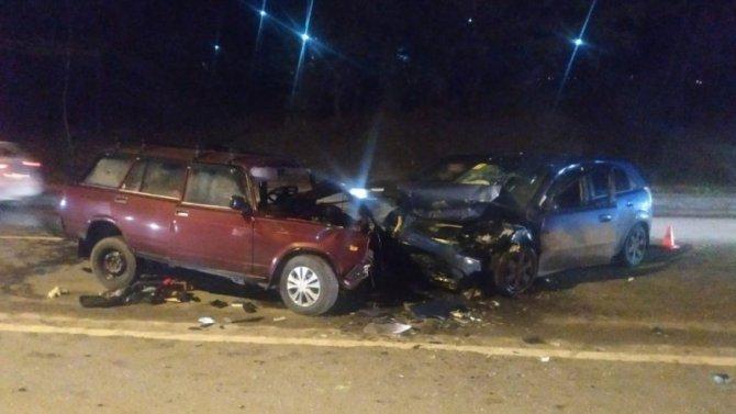 В ДТП в Ростове пострадали три человека